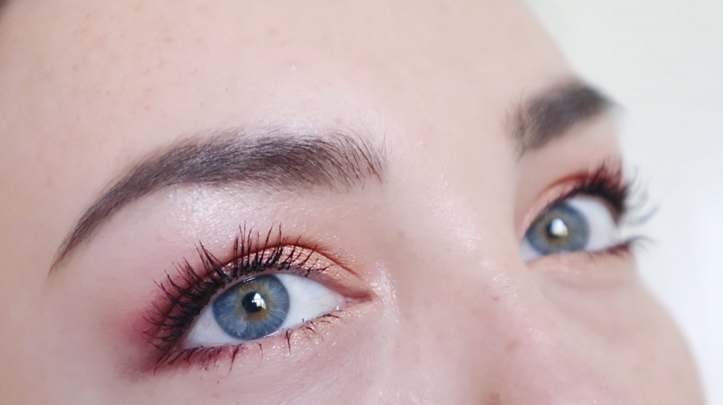 huda-beauty-Cool look. new-nude-eyeshadow-palette-look-swatches-beautyholic-blog-review-3